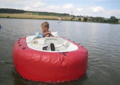 elektrické vodní auto pro děti, nyní pouze u rybníka Komorník u Strmilova